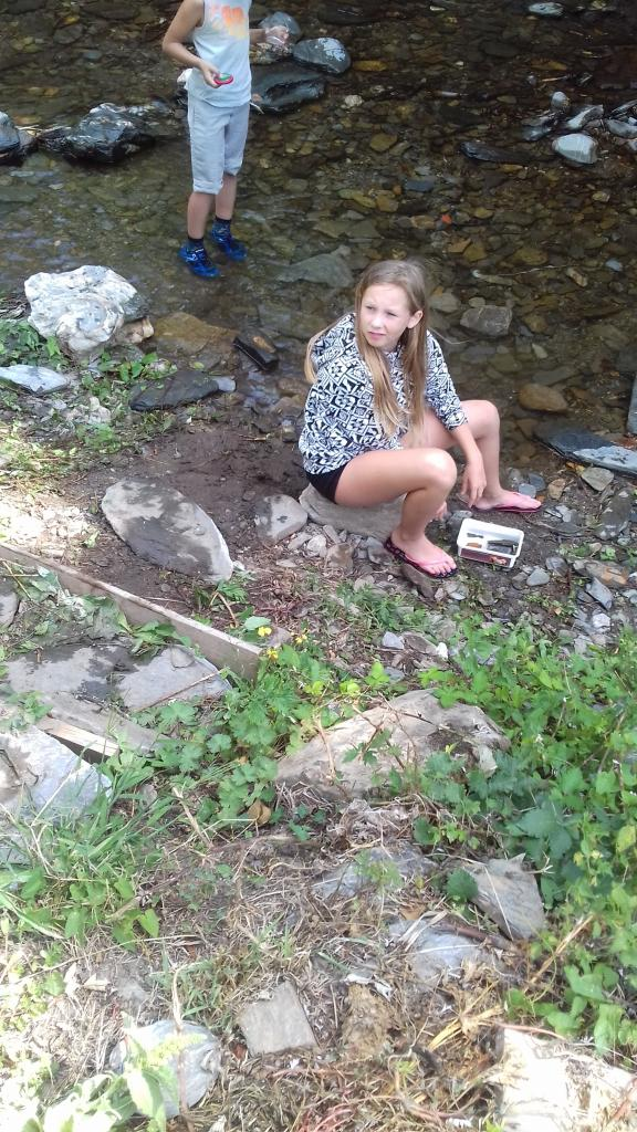 Ines et la couleuvre vipérine