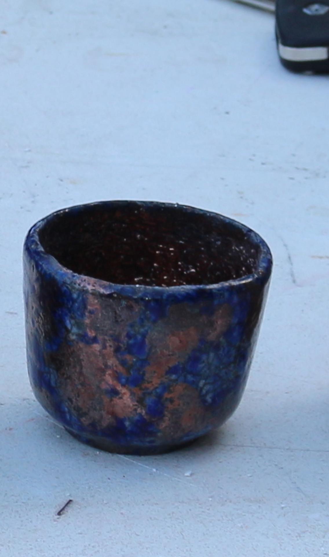 Cuivre avec motifs bleus