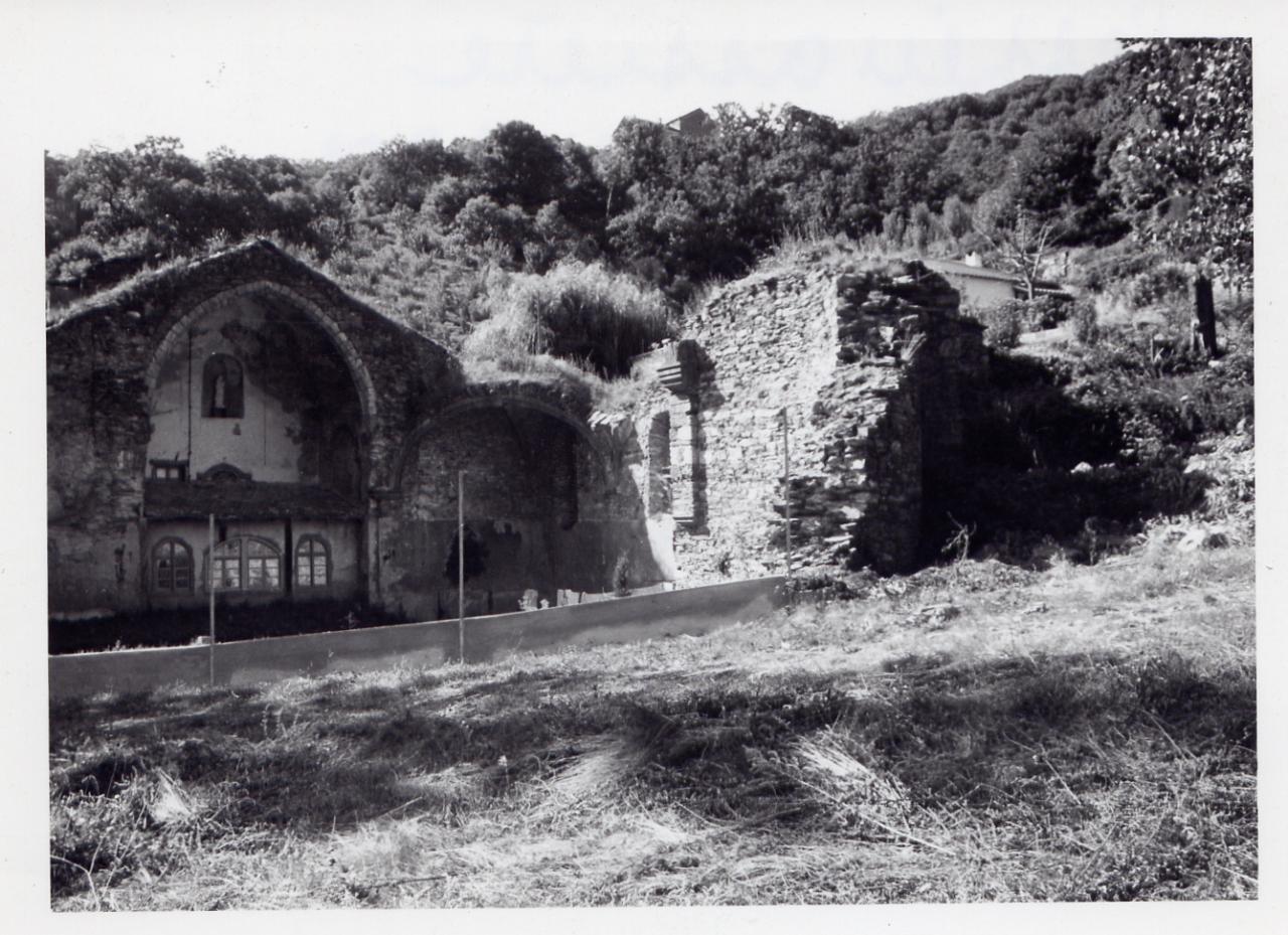 AE Ruines 1965