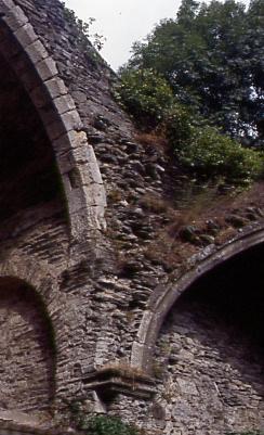 AE Ruines 2000 3