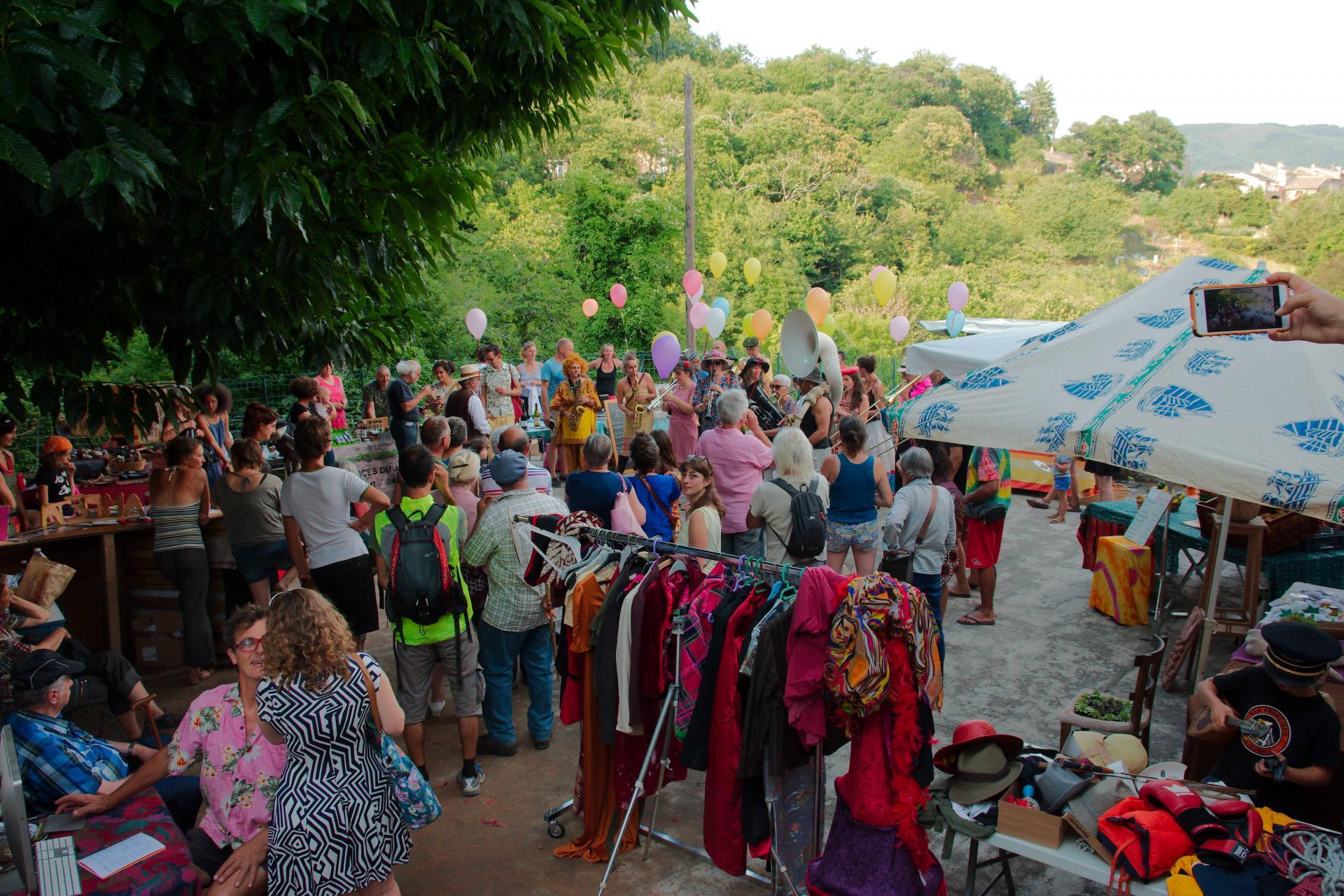 Marché Fanfare et Photos